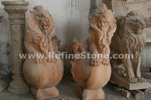 Pair of marble lion statue